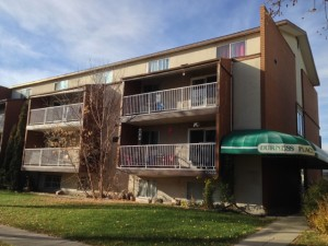 Post image for SOLD! Durness Place (18 Units) – Westmount Edmonton Apartment Building for Sale